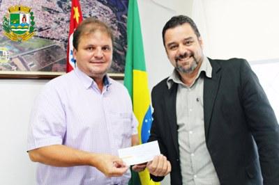 Prefeito Marcelo Vaqueli e Presidente da Câmara Adriano